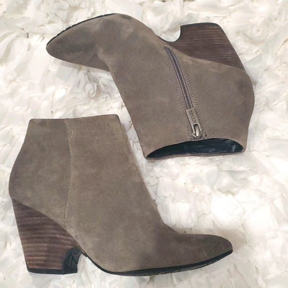 Kenneth Cole real suede ankle boots